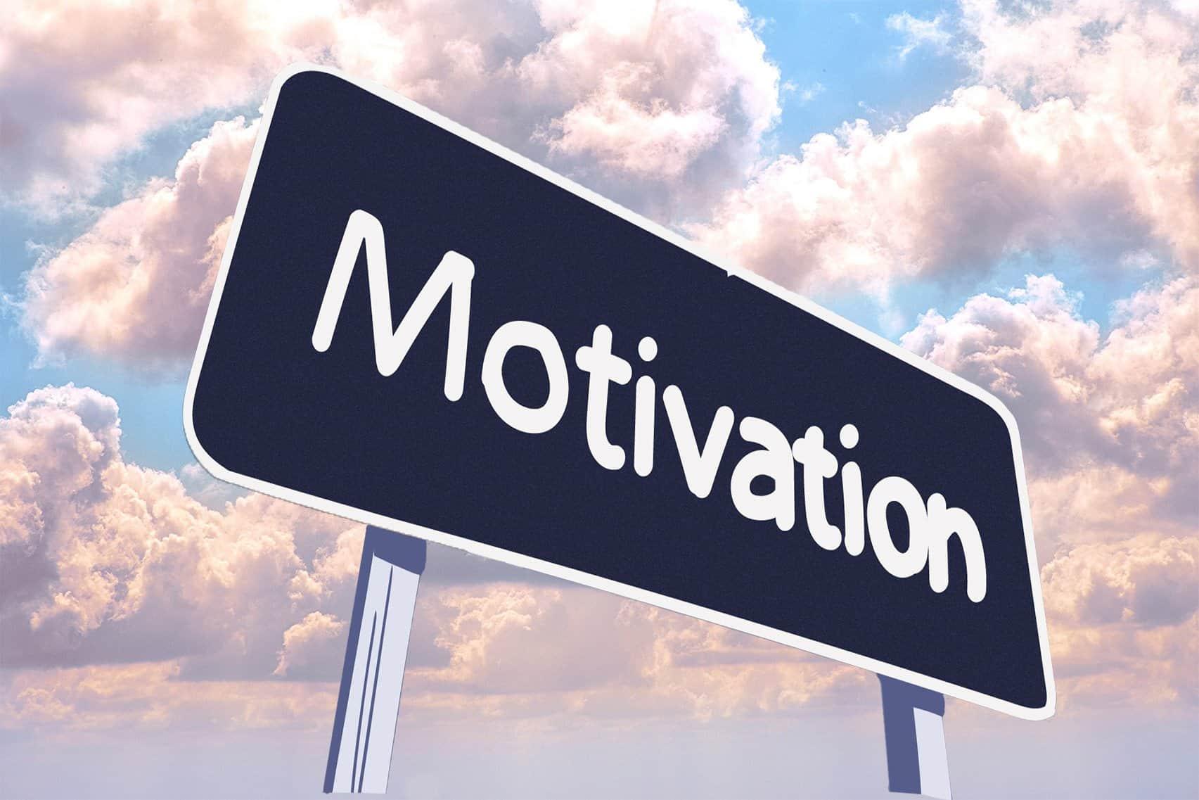 Schild mit dem Wort Motivation